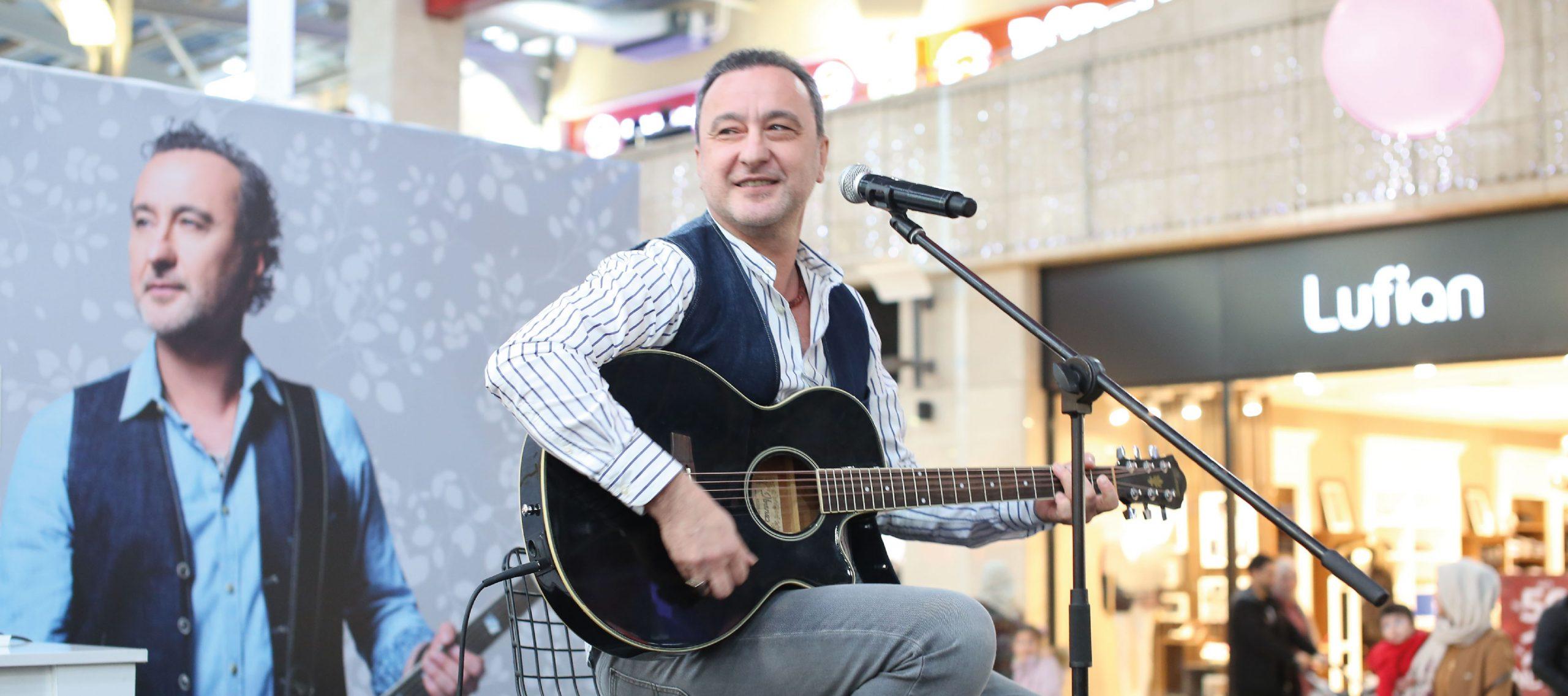 Aşkın En Güzel Şarkıları Movapark'ta Söylendi